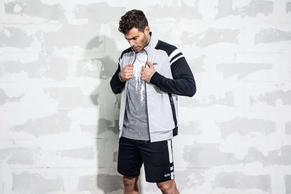 mannen sportkleding sjeng