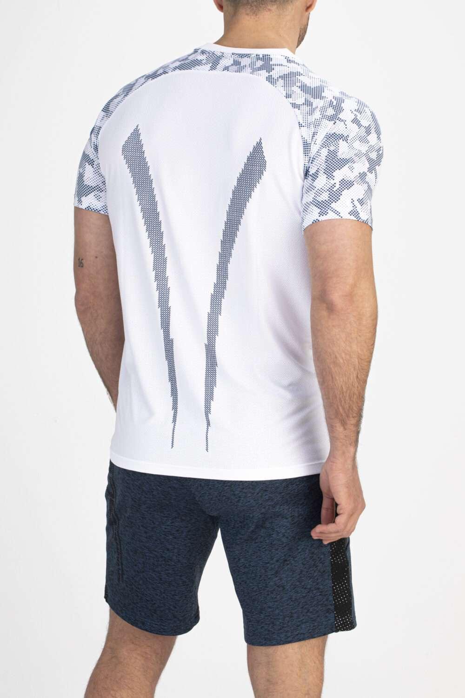 wit sport shirt achterkant man