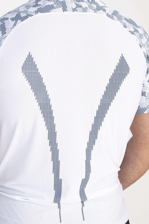 wit sport shirt man rug