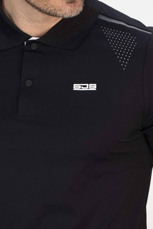 zwart sport shirt bovenkant man