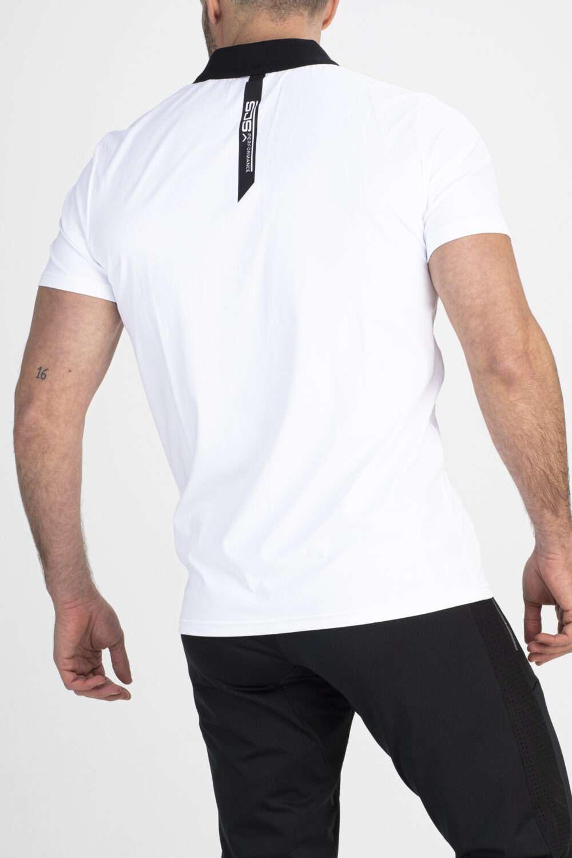 wit sport shirt man achterkant