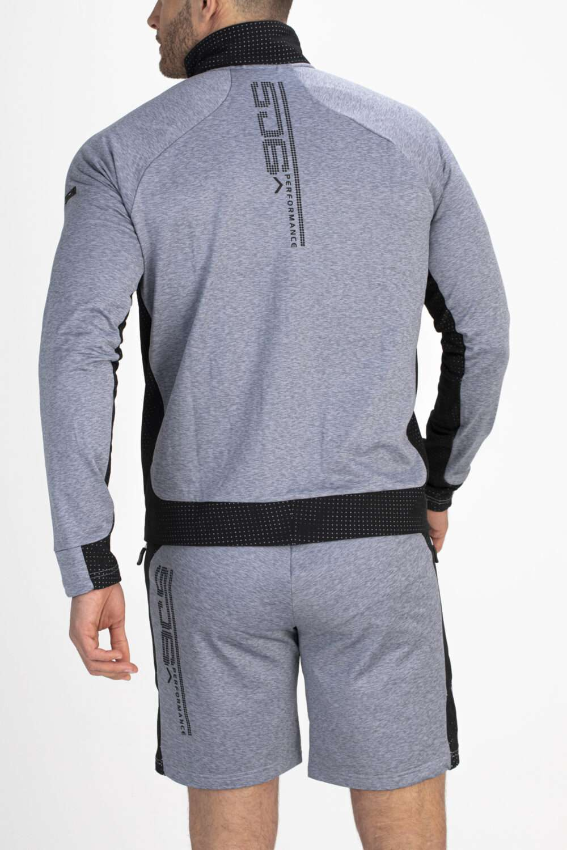 grijs vest achterkant man
